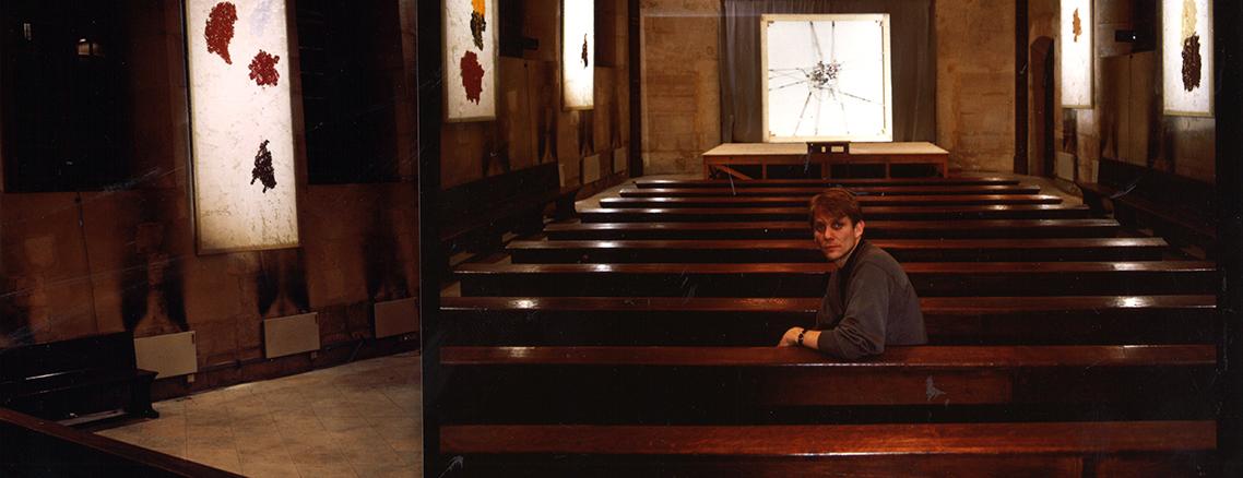 Installation de Thierry Cherverney. Chœur des Religieuses de la chapelle de Port-Royal, 75014. Résonances. 1989.
